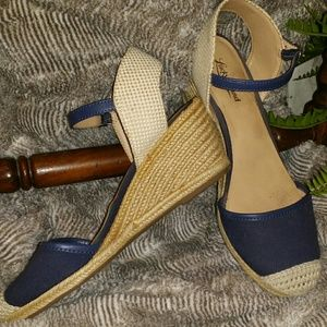 Lucky Brand Navy Blue Espradrilles Wedge